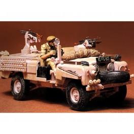 Britų SAS Land Rover automobilis