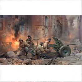 """Prieštankinė patranka """"Pak-36"""" su komanda"""